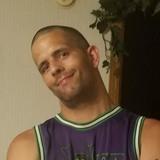 Vince from Rockaway Beach | Man | 32 years old | Capricorn