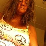 Melaine from Wrentham | Woman | 52 years old | Aries