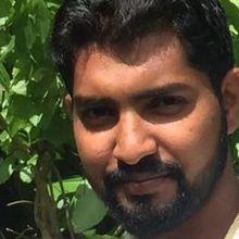 Razik looking someone in Oman #6