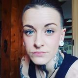 Lauren from Exeter | Woman | 35 years old | Cancer