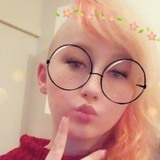 Lara from Westport | Woman | 20 years old | Taurus