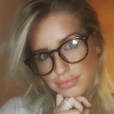 Violarene from Toronto | Woman | 26 years old | Aries