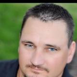 Tony from Bates City | Man | 48 years old | Aries