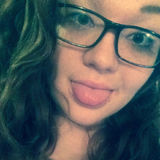 Fbangelkadrlik from Sauk City | Woman | 22 years old | Cancer