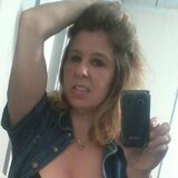 Elaine from East Lansing | Woman | 44 years old | Aquarius