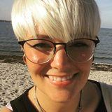 Dalia from Kiel   Woman   21 years old   Libra