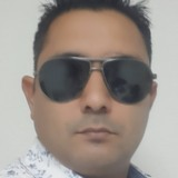 Sanny from Deira   Man   32 years old   Pisces